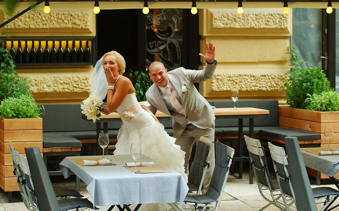 Esküvői fotózás a legvidámabb párral!