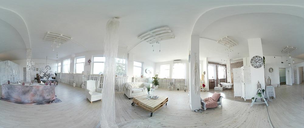 Pazar vintage helyszín akár jegyesfotózáshoz, de vintage stílusú esküvői kreatív fotózáshoz is!